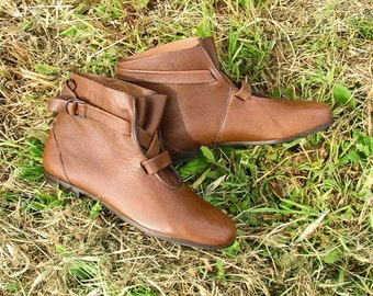 Brown leather low boots sizes 6 and 5 new vintage 80s made in italy