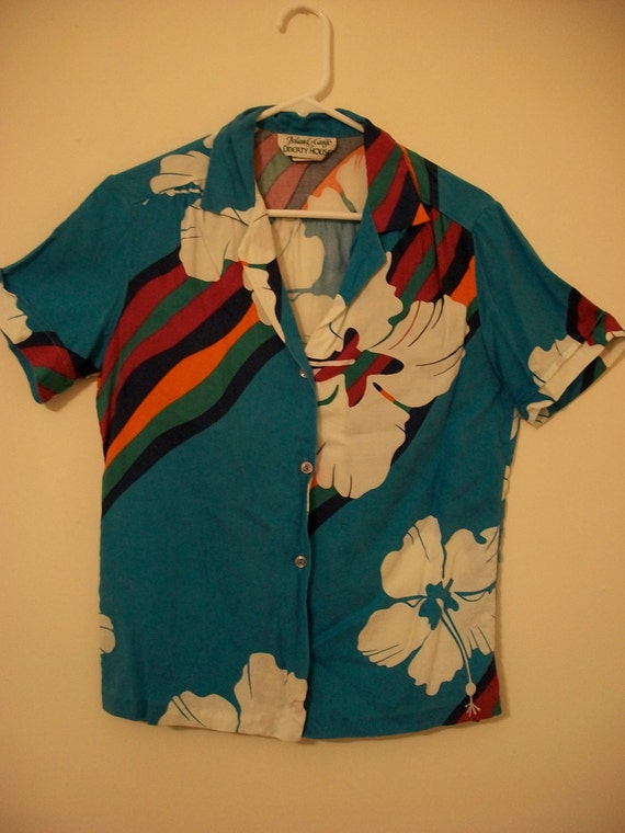 Vintage tropical summer shirt with hibiscus and rainbows - FREE shipping worldwide