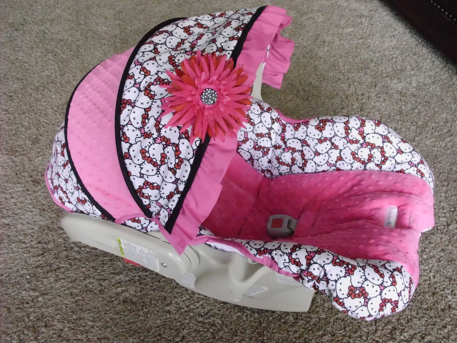custom hello kitty car seat cover by babybelovedboutique on etsy. Black Bedroom Furniture Sets. Home Design Ideas