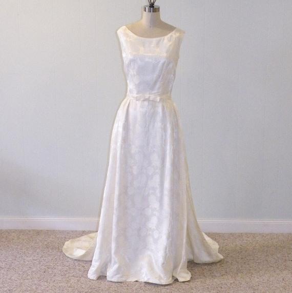 1960s Wedding Dress, 60s Ivory Damask Vintage Wedding Gown, Full Length Detachable Cathedral Train, Sleeveless Vintage Wedding Dress, Roses