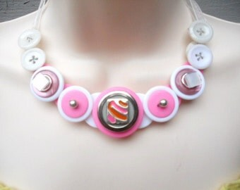 SALE, Strawberry Daquri button necklace