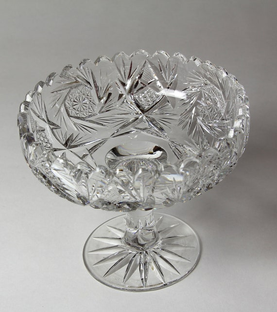 Cut glass footed bowl stunning centerpiece - Footed bowl centerpiece ...