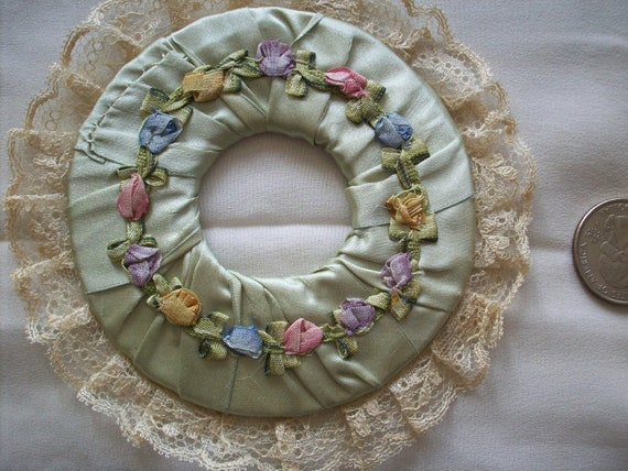 One french antique Ribbonwork silk circle
