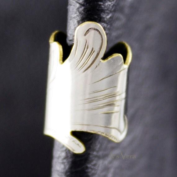 Ear cuff, non-pierced designed by Vera