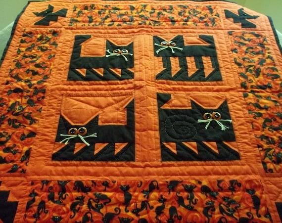 RESERVE for CINDY Spooky Qulit,Quilts,Lap quilt,handqulited,fall,halloween decor,harvest decoration,Bats