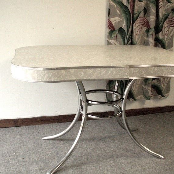 Vintage 1950 39 s formica and chrome kitchen table - Formica top kitchen tables ...