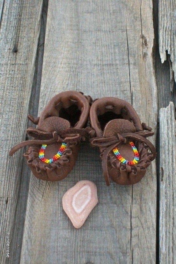 Beaded baby moccasins ,  Newborn buckskin moccasins , Soft sole baby shoes