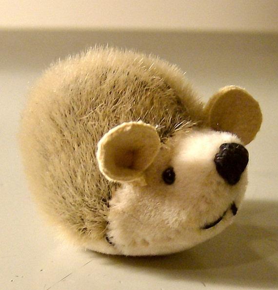 miniature magnet hedgehog-brown