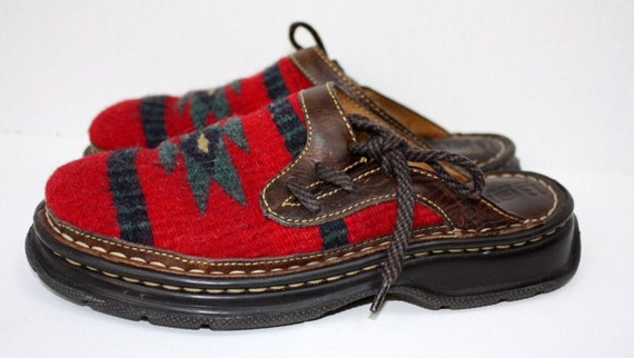 Southwestern Born Clogs Slip On Shoes Red Native Print Leather Blanket Size 7 Medium Euro 38 Western Country Cowboy Cowgirl Vintage Retro