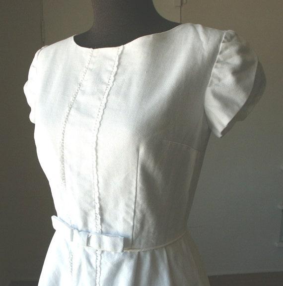 Vintage 60's Dress, White Pique' Cotton, Cap Sleeves, Size Small to XS