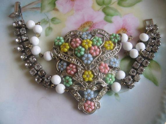 Ode to a Era 192Os.vintage jewelry assemblage bracelet