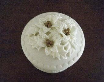 Little Round Box, Chalkware, White Poinsettias on Top, Trinket Box, Perfect for Christmas Jewelry Gift, Christmas Proposal, Winter Wedding