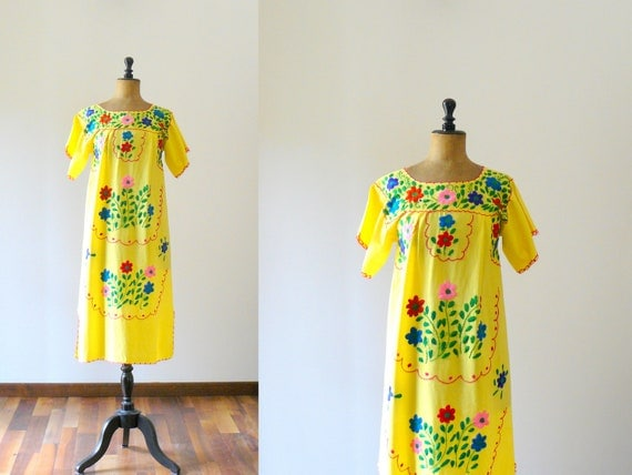 Vintage 1970s embroidered mexican style yellow dress. boho sun tent dress