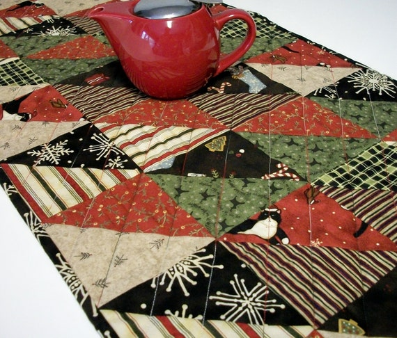 Christmas Table Runner Cat Triangles Reversible Red Black Handmade Quilted Ready to Ship One of a Kind