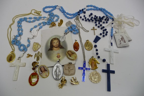 Collection Religious vintage Medals, Rosaries, Scapular, Pins and necklaces SALE