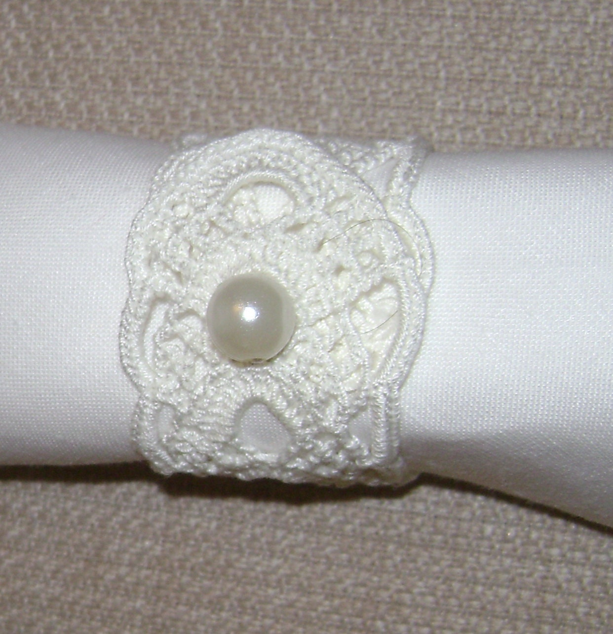 crochet napkin rings 12 pieces white. Black Bedroom Furniture Sets. Home Design Ideas
