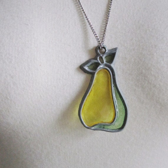10 Dollar Sale Vintage 70s PEAR Silver Tone Necklace - Sun Catcher - Yellow and Green