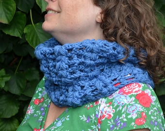 Crochet pattern : vintage inspired cowl for women