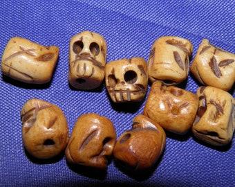 10 Bone Skull Beads, Hand Carved Bone Skulls Charms, Day of the Dead Skull Jewelry, Sugar Skull Jewelry, for Earrings Bracelets Skull Charms