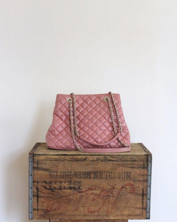 quilted vintage bag 1980s pink textured chanel inspired large oversized shoulder bag with chain strap / crème de fraise