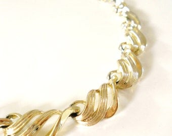 Vintage 1980s Gold Scallop Chain Link Necklace Choker