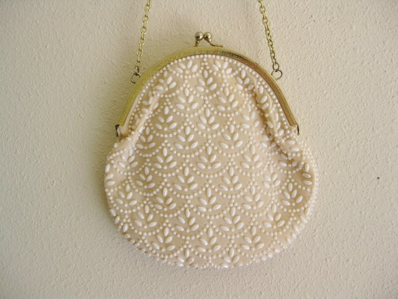 Vintage 1970s Shell White Beaded Formal Clutch Purse . Gold Clasp with Leaf Design . Embroidery Beadwork