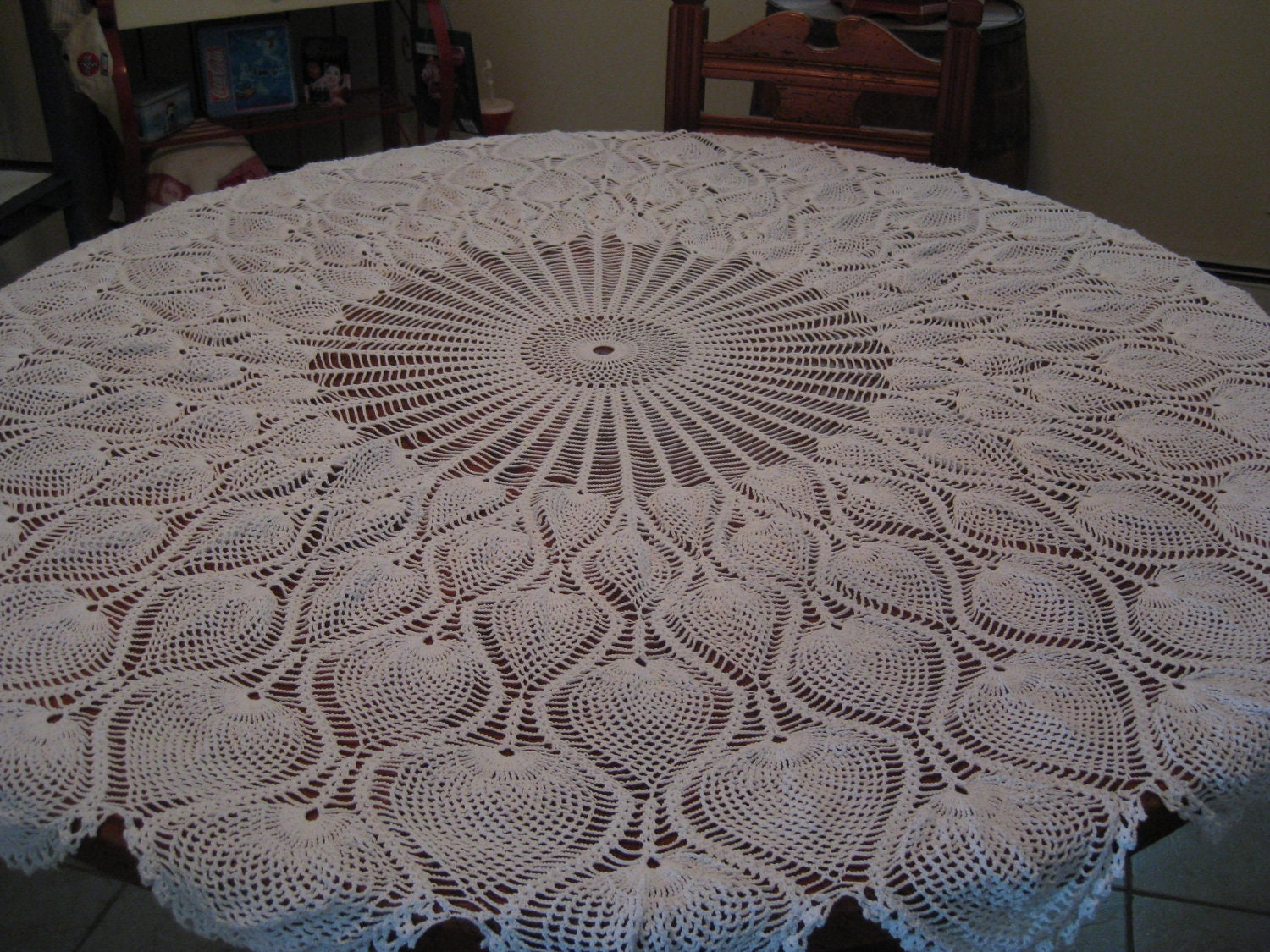 Crochet Tablecloth : Round Tablecloth Pineapple Pattern Hand Crochet 62 by sewingnuck