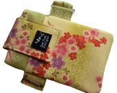 Japanese Asian Sakura Flowers Cherry Blossoms Fabric Armband Washable Iphone Galaxy Zipper Pocket Cell Phone Case Pouch Waterproof Lining