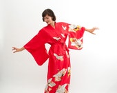 Vintage 1970s Robe - 70s Kimono Robe - Bright Coral Red with Crane Print
