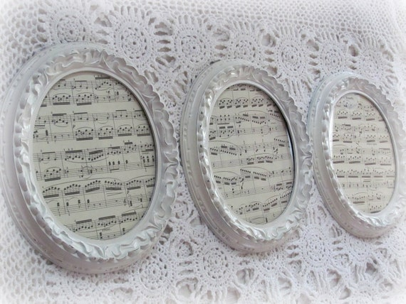 Picture Frames Set of Three Cream Oval Picture Frames Shabby Chic French Country Picture Frames