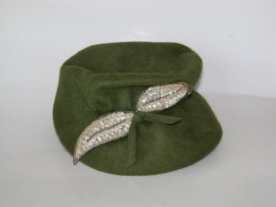 Vintage Green Fur Felt Hat-Ladies- Retro Chic-1940s-Mint