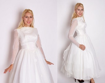 Vintage 1950s White Tea Length Wedding Dress / 1950s Wedding Dress / Wedding Dress / Vintage Wedding / 50s Dress / 1347
