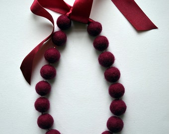 Oxblood Necklace -  Felted Maroon Necklace - Office Fashion -  Gift - Fashion - Accessory - Christmas gift - Black Friday Sale