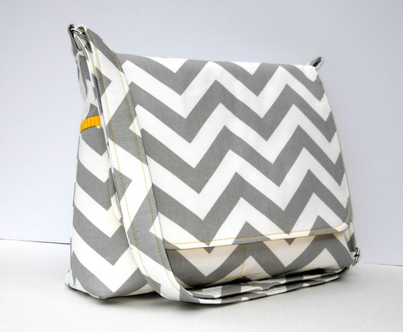 Women's Messenger Bag Gray Chevron Purse - Gray Zig Zag