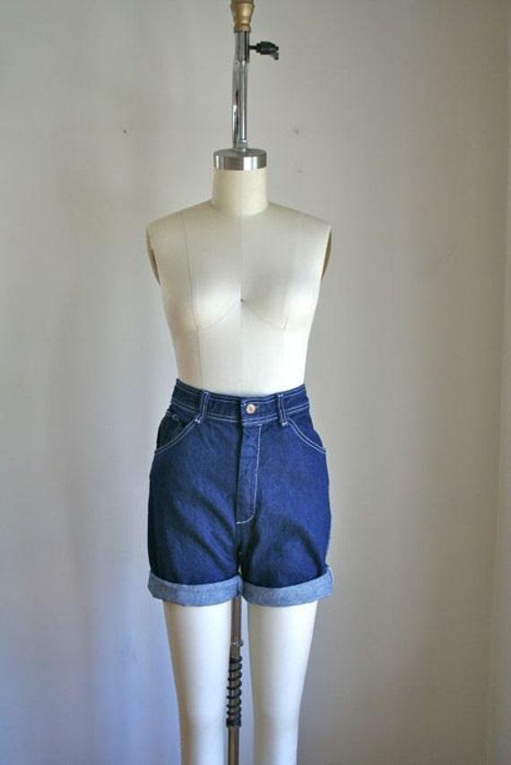 SALE // vintage denim cutoffs - DENIM BLUE high waist jean shorts / xs