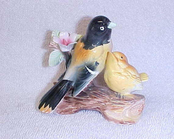 Vintage Oriole Bird Figurine Made In Japan Ceramic Circe 1940's