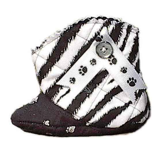 White Tiger Baby Boots, handmade quilted girl infant shoes booties wildcat cat panther s1