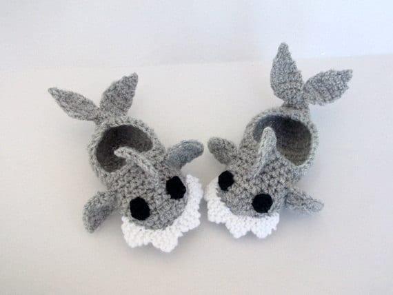 Crochet Pattern For Baby Shark Booties : Crochet Baby Shark slippers house shoes-Crochet Baby