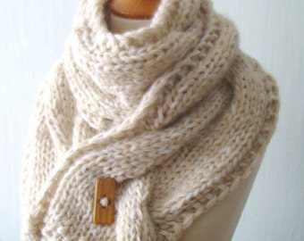 Scarf Handknit Chunky Big Cowl Thick Cabled Soft  in White Beige Cream