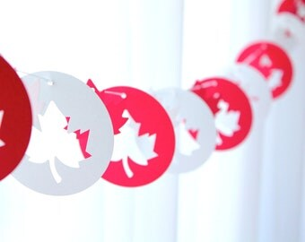 "6 Foot - 3"" Rounds Canada Maple Leaf Garland - available in your choice of colors - Party Banner Garland"