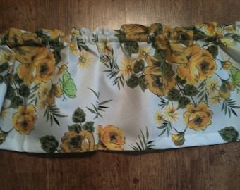 Vintage Flowered Valance by Happy Home Was 9.99