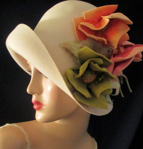 FRANK'S GIRL - Exquisite, Private Collection Vintage Ivory Wool Cloche By Frank Olive, New York