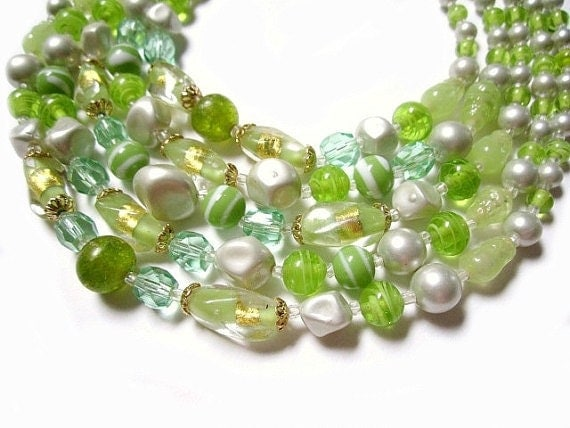 Vintage 5 Strands Green Swirled Gold fused Glass and Faux Pearl Necklace