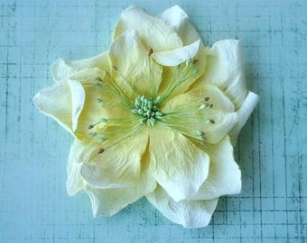 Le Petite flower hairclip