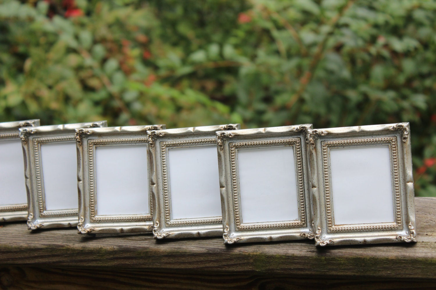 set of 6 mini vintage style frames silver chrome metallic. Black Bedroom Furniture Sets. Home Design Ideas
