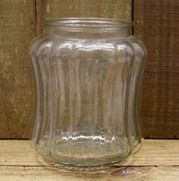 "Light Globe - Clear Glass with Vertical Ridges & Scalloped Ends - 5"" tall -   Vintage"