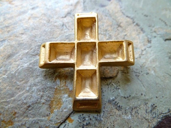 Catholic Cross Pin Brooch with Settings for Rhinestones - 35mm - High Quality Brushed Gold Tone Metal Casting - Qty 1