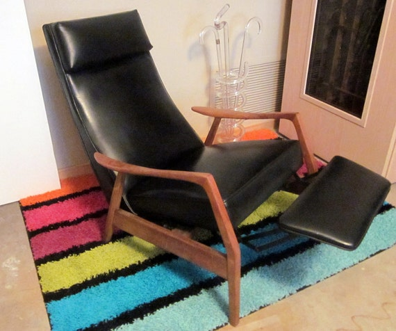 reserved for a VINTAGE Milo Baughman reclining mid century modern chair with footrest bLACK