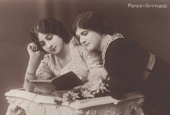 Beautiful Image of Friends Sharing a Book Early 1900s