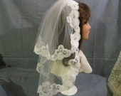 Lovely 2 Tiered Short  Bridal Veil with Lace Edge